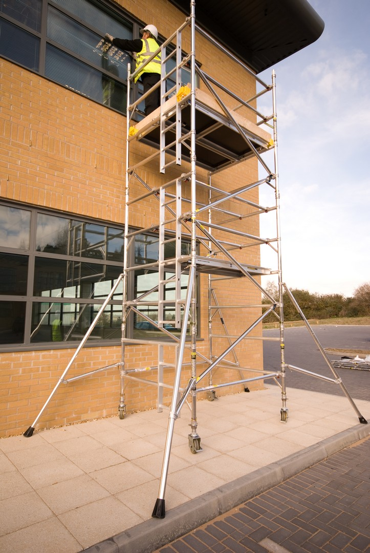 BoSS Standard 1.8m Tower 5.3m Handrail Height