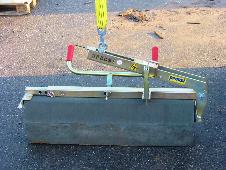 Kerb Stone Clamp VZ-M - 250kg SWL