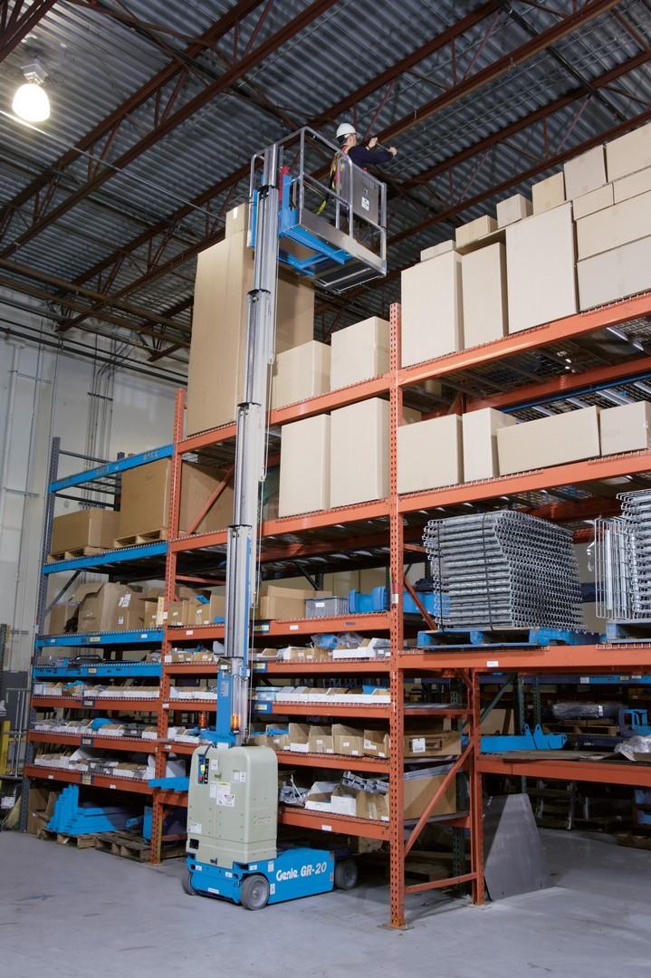 8.2m Mast Lift GR20